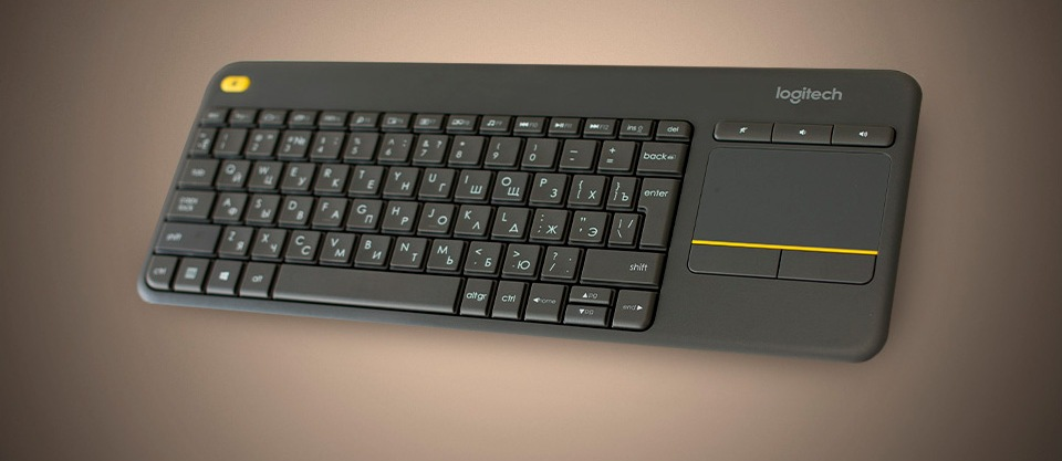 Беспроводная клавиатура Logitech K400 Plus